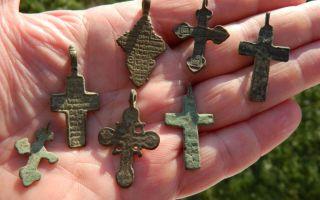 Как, где и когда освящать нательный крестик в домашних условиях?