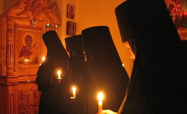 Отчитка молитвами от порчи в церкви