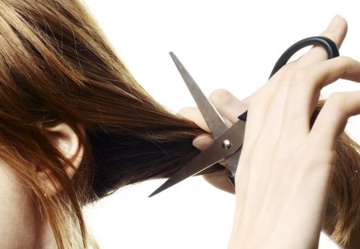 Как определить и снять порчу на волосы