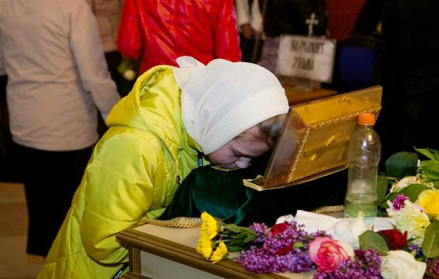 Что приносить Матроне Московской, какие цветы